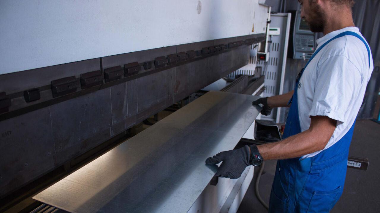 EHT multipress - Stahlbau Kirschner - Ihr zuverlässiger Partner für Stahl, Edelstahl und Aluminium